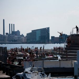 Cool things to do in Copenhagen with kids _Harbour bath Islands Brygge